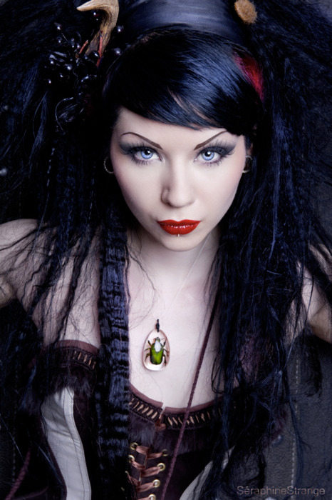 Some Of The Most Influential Celebrities In Entertainment History Were Or Currently Are Goth Fashion Followers This Style Has Had Such A Huge Impact On